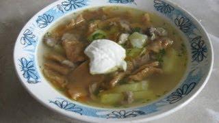 Суп с галушками(Готовим суп с галушками. Для этого варим мясной бульон, достаем мясо, нарезаем мелко, бульон процеживаем,..., 2013-09-04T12:36:37.000Z)