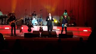 "Tony Hadley Singing ""Gold"" At DeMontfort Hall, 9th October 2018."