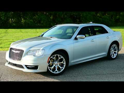 2020 Chrysler 300C Running Footage