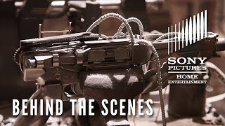 Men in Black: International -  Behind the Scenes Clip - Look Right Here: Weapons