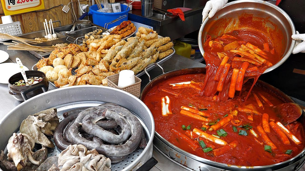 쫜득한 쌀떡볶이가 1인분 천원? 역대급 대혜자 분식집! 떡볶이, 순대, 튀김, 어묵 / spicy rice cake Tteokbokki / korean street food