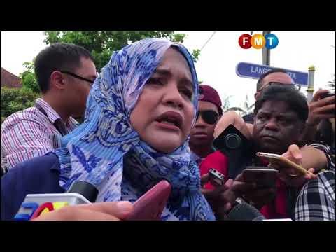 Penyokong temui Najib di rumahnya
