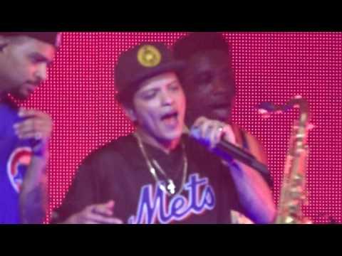Bruno Mars - Locked Out Of Heaven ViennaWien Austria 030617