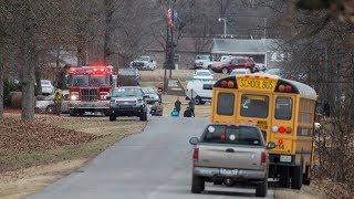 Kentucky school shooting leaves 2 dead, at least 19 injured