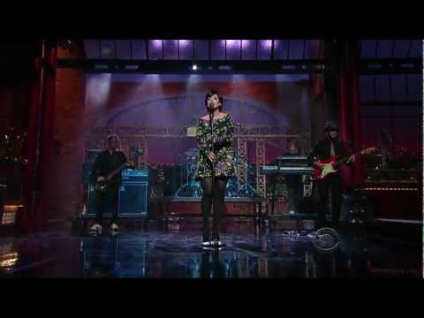 Lily Allen - The Fear (Live Late Show With David Letterman) [04.24.09] [HD]