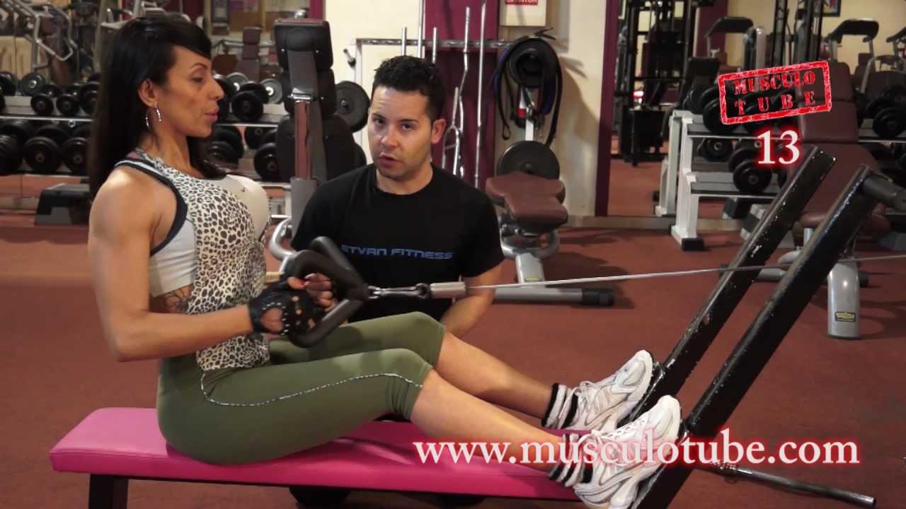 Remo gironda remo bajo con polea ejercicio 13 for Aparatos para hacer ejercicio