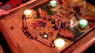 Retro Pinball Madness - Look for the flipper!