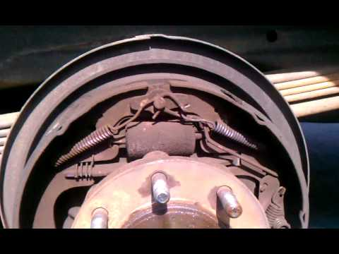 Replace express van 3500 2002 rear brakes - YouTube