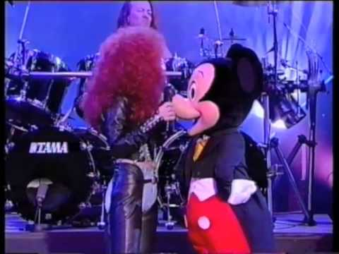 Cher & Mickey Mouse - The Shoop Shoop Song (It's In His Kiss) (Live)