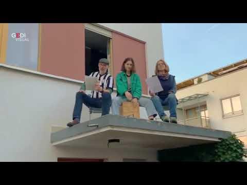 Coronavirus, tedeschi dal balcone cantano 'Bella ciao'. 'Amici italiani vi siamo vicini'