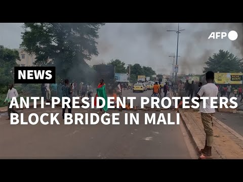 Protesters Block Bridges In Mali Anti-president Protest | AFP