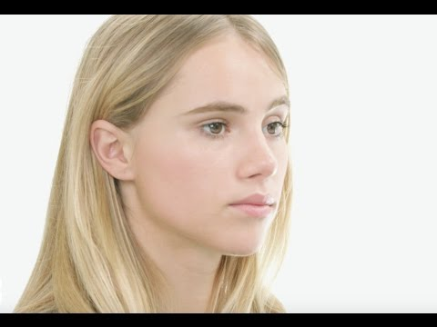 Natural Glow Makeup Tutorial with Suki Waterhouse and Burberry's Wendy Rowe