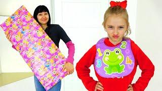 Полина хочет получить огромный подарок от мамы