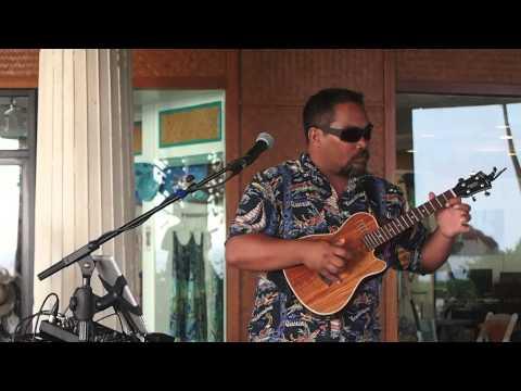 Brian Pi'ikea Vasquez plays Santana on the Uke. Maria Maria (instrumental)