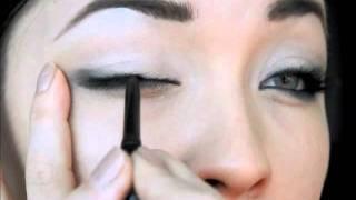 Smokey Cat Eyes ( Angelina Jolie, Megan Fox)