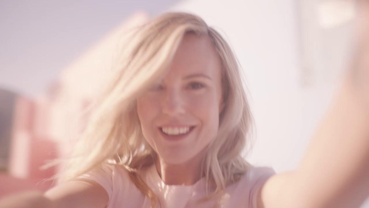 Neues Escada Parfum Celebrate Now Feat Sofi Fahrman Youtube