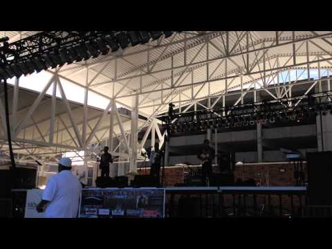 The Low Riders de George Martinez Live 2014