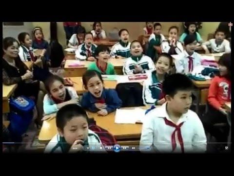 """Clip các bé học sinh lớp 4 hát """"Chắc Ai Đó Sẽ Về"""" của Sơn Tùng M-TP"""