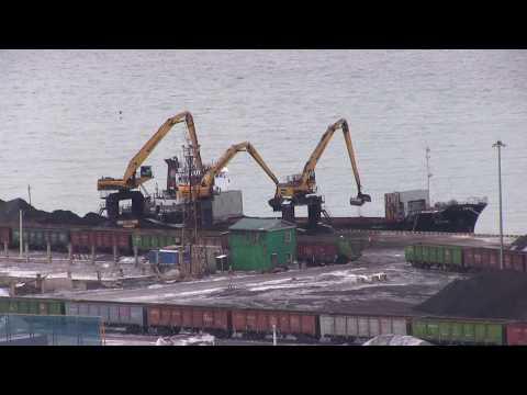 Невельский порт продолжает работать