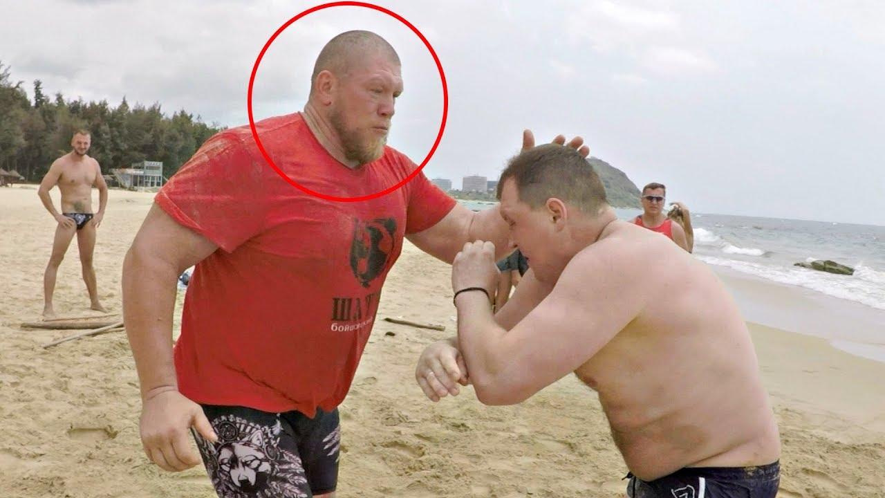 Бой Макса порвал весь пляж!