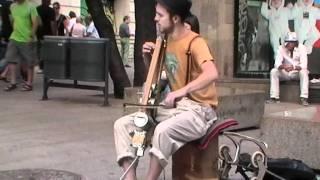 Straatmuzikant Barcelona 2011 06 24.mov