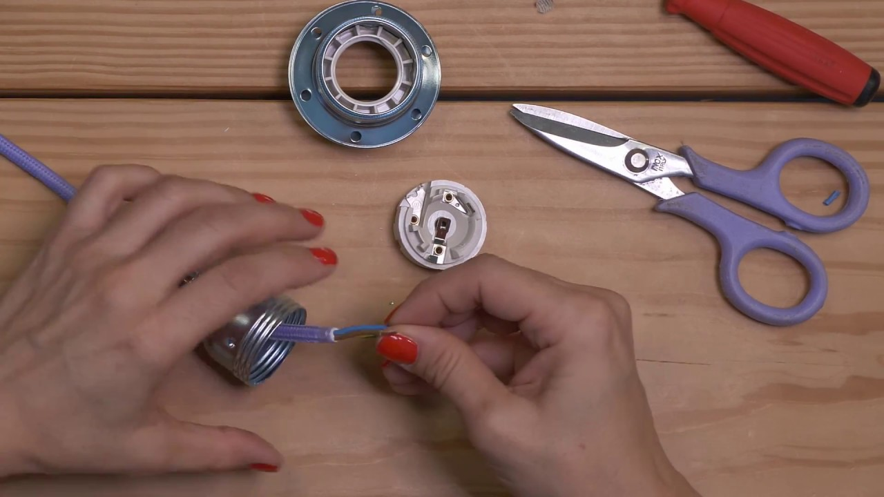 Mounting A 2 Ferrule Lamp Holder W Cylindrical Cable Clamp Youtube Wiring Metal