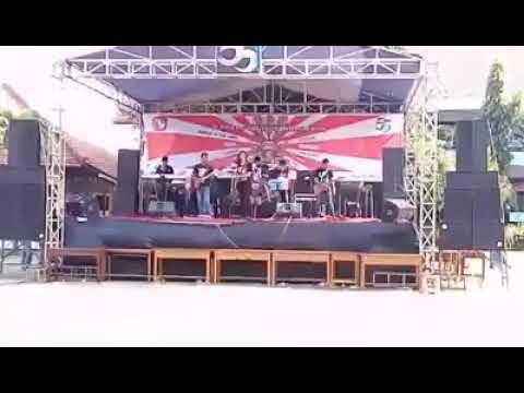 Distorsi Rock Band