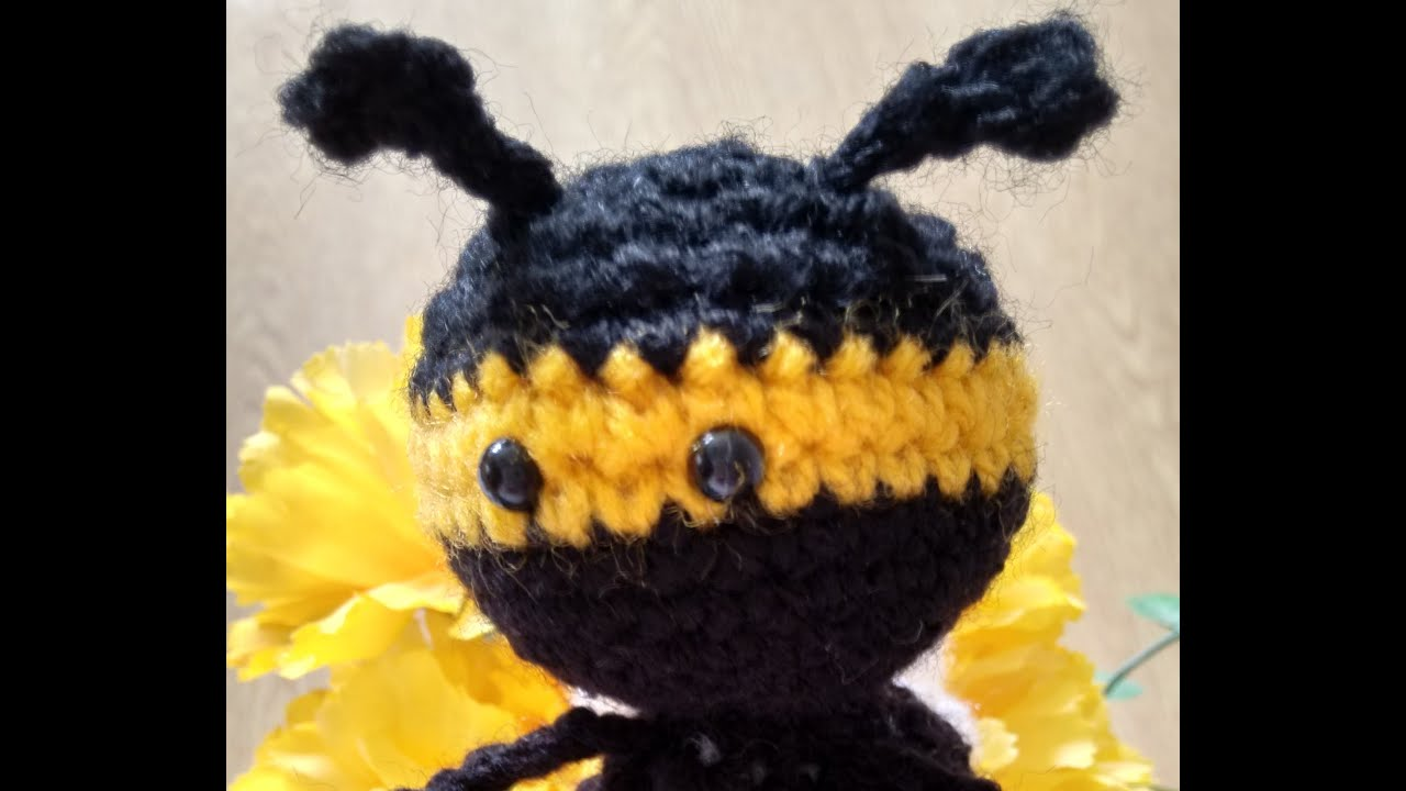 Amigurumi Tips : Fitting tiny toy safety eyes to soft toys and amigurumi tips and