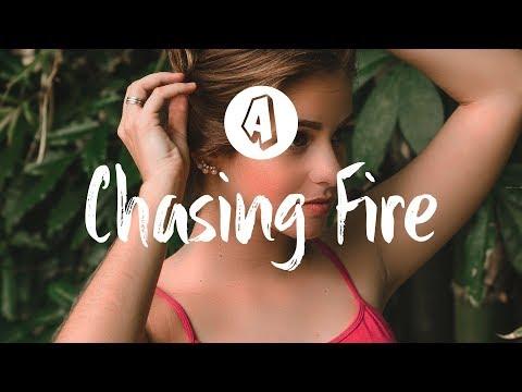 Lauv - Chasing Fire (Lyrics / Lyric Video) Robin Schulz Remix