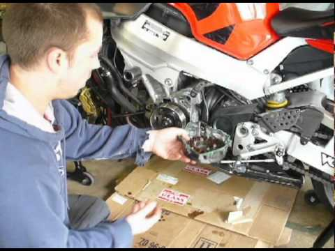 We demonstrate the proper way to remove a flywheel from a 2001 Honda CBR929RR Fireblade - YouTube