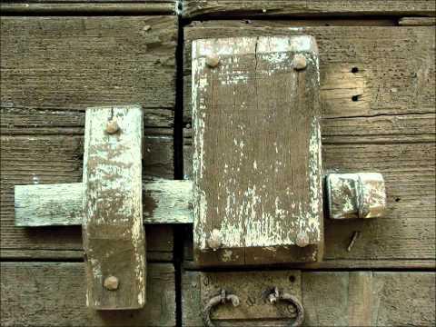The Antique Wooden Door locks of Italy.  R. Soldati