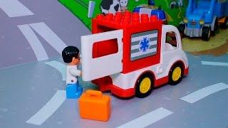Машинки в ЛЕГО у видео для детей с игрушками - Скорая помощь помогает лошадке.