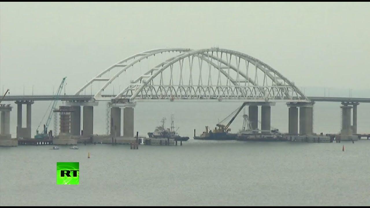 Аксёнов назвал «ржавыми корытами» украинские корабли, прошедшие под Крымским мостом