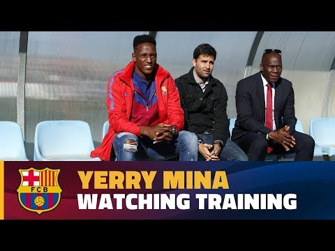 Recovery training session with Yerry Mina watching