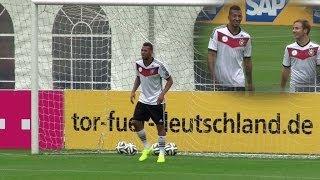 Mario Götze haut Jerome Boateng die Hütte voll | DFB-Trainingslager in Südtirol