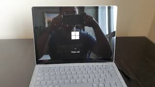 Microsoft surface laptop 3 crashing when trying to run Windows for a first time