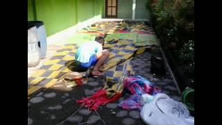 Momen (Proses) Pembuatan Balon Kertas Sapuro Bronto'an Gg.5 Pekalongan.