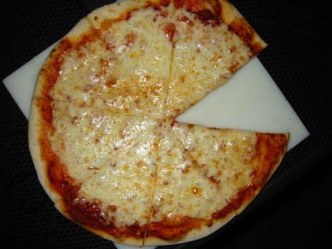 صورة  طريقة عمل البيتزا طريقة تحضير| بيتزا الجبن سهلة جدا وطعمها تحفة لازم تجربوها طريقة عمل البيتزا من يوتيوب