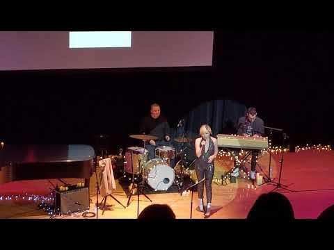 Carly Rae Jepsen & Bleachers -