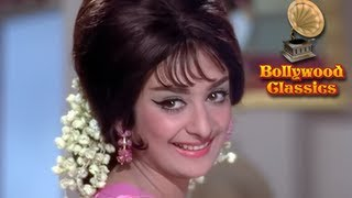 Sharm Aati Hai Magar - Padosan - Lata Mangeshkar Hits - R. D. Burman Hit Songs