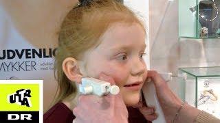 Vickie får skudt hul i ørene! | Første gang | Ultra