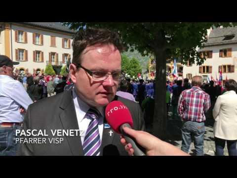 Pfarrer Pascal Venetz am Bezirksmusikfest Visp