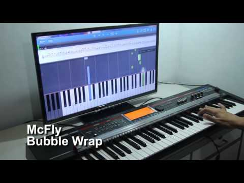 Learning to play Bubble Wrap by McFly on the piano with Synthesia and PianoMaestro