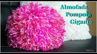 Almofada pompom gigante