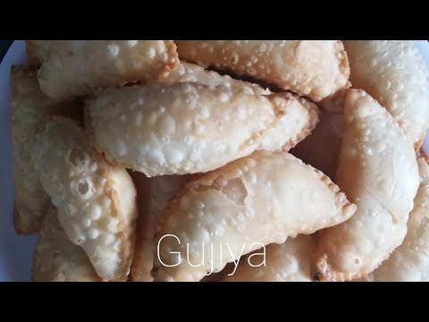 How to make Karanji / Gujiya? - Maharashtrian Recipe from YouTube · Duration:  12 minutes 49 seconds