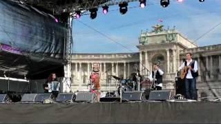 """Wiener Stadtfest 2011 - """"Die Steinbach (dieSTEINBACH)"""" aus ihrer aktuellen CD: D'Sau"""