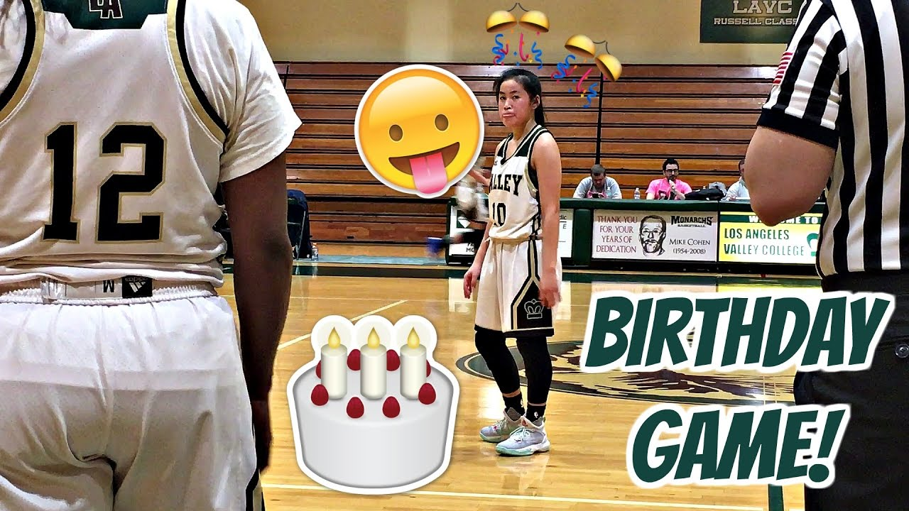 SURPRISED MY SISTER AT HER BASKETBALL GAME ON HER BIRTHDAY! 🎂🎉🎊