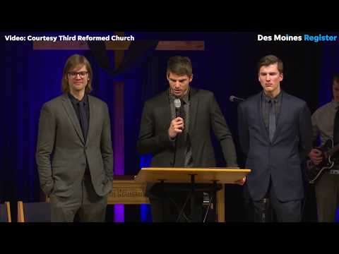 Kyle Korver of Cleveland Cavaliers gives emotional eulogy at brother's funeral in Pella, Iowa