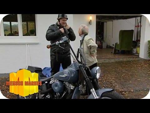 Er sucht sie zum motorradfahren