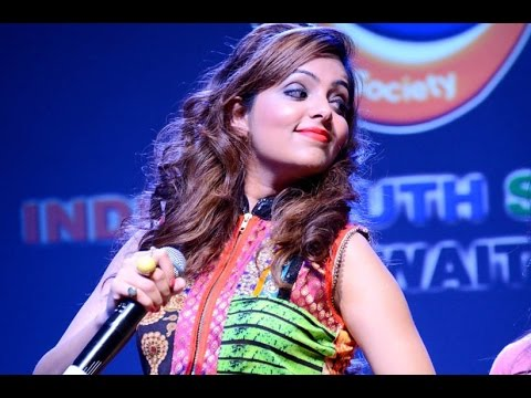 Sugandha Mishra Comedy Singing Live Performance Showreel
